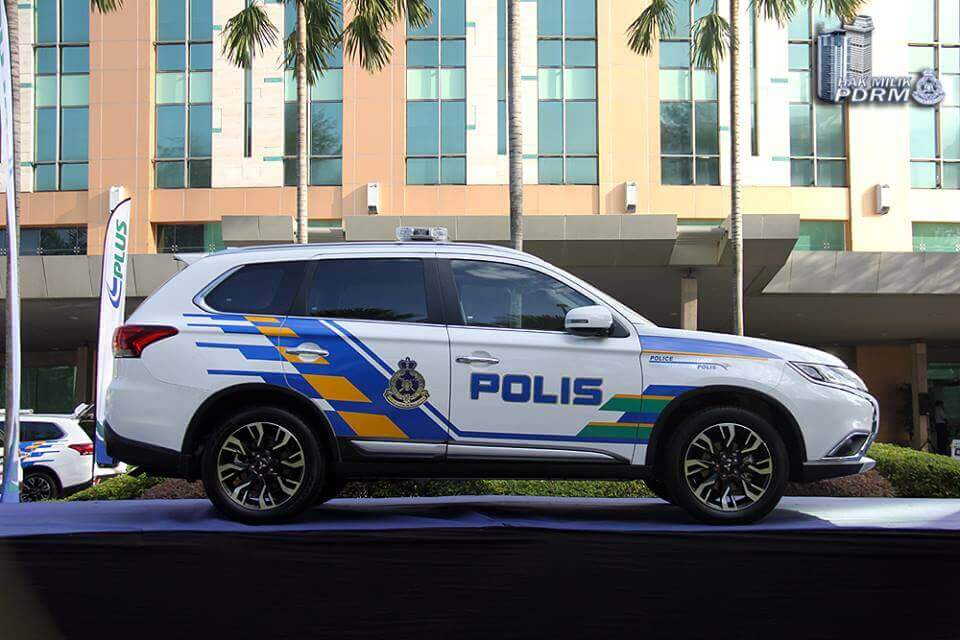 Police Highway Eagle Using Mitsubishi Outlander | Mitsubishi Motors Malaysia