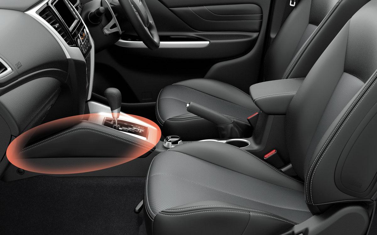 4x4 Leather Knee Pads | Mitsubishi Motors Malaysia