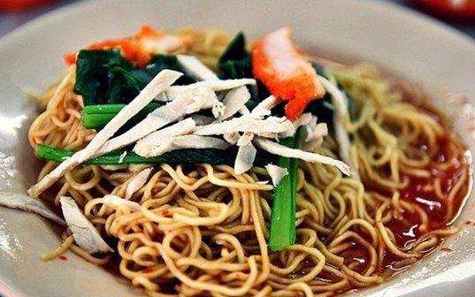 Best Food in Melaka: Wanton Noodles at Dung Fong Restaurant | Mitsubishi Motors Malaysia